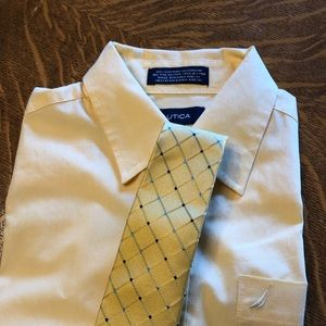 Boys necktie, yellow w/blue diamond pattern